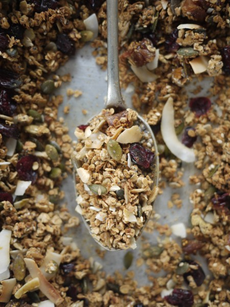 Cinnamon, coconut and fig granola