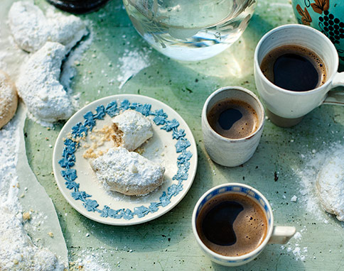 Kourabiethes and coffee
